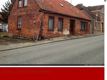 Abrisshaus auf einem großzügigen Grundstück in 23758 Oldenburg