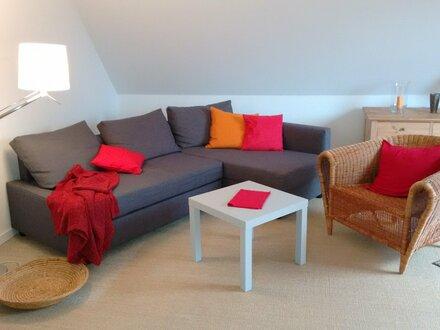 Möblierte, charmante 2,5-Zimmer-DG-Whg. (1. Etage) sucht Nachmieter/in