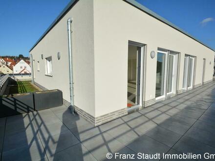 Erstbezug: Exklusive Penthouse-Wohnung in Goldbach mit großer Dachterrasse