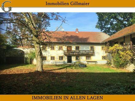 Immobilien Gillmaier - Vierseithof in sonniger Allein-/ und Höhenlage!