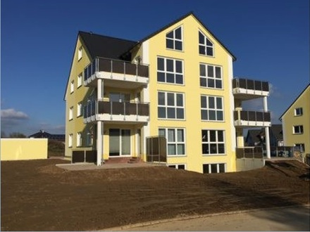 Neuwertige 4-Zimmer-Maisonette-Wohnung mit Balkon und EBK in Zwönitz