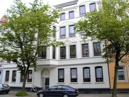 Vollsanierter Altbau: 4-Zimmerwohnung mit besonderem Charme, 3. OG rechts, Deb.-Nr. 20811
