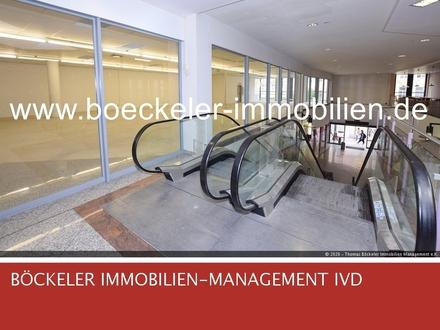 Auf gleicher Etage = Naumburger Stadt-u. Kinderbibliothek sowie die Barmer-Ersatzkasse