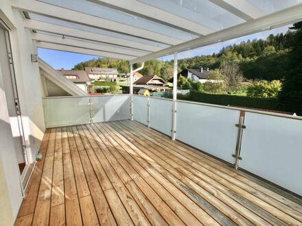 Velden am Wörthersee - Keutschacher Str.: Loftartige 95 m² DG-Wohnung mit überdachter Süd-Terrasse