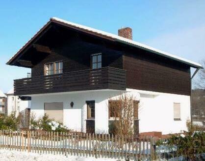 Schnuckeliges Einfamilienhaus m. Terrasse, Garten u. Garage in Passau-Heining, langfristig zu vermieten