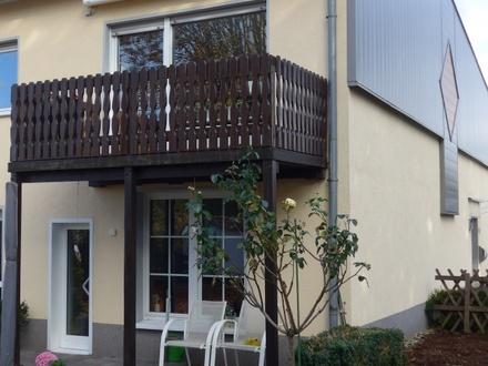 DO-Lanstrop hat ländlichen Charme! Attraktive ETW ca. 118 m² mit Balkon! 3 Eigentümer!