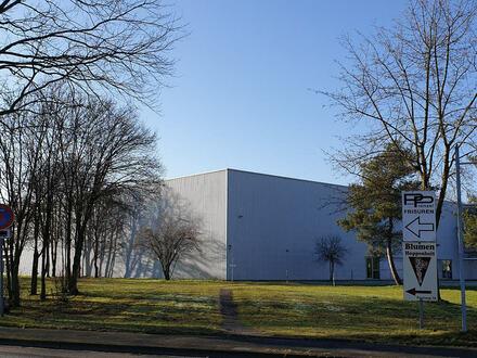 Knapp 19.600 m² Hallenfläche mit Rampen direkt an der Autobahnauffahrt zur A2