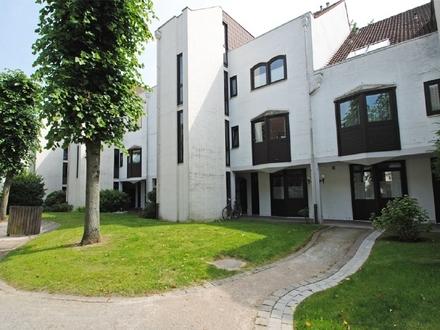 Rückwärtig gelegene 4-Zimmer Wohnung mit Terrasse und Blick ins Grüne
