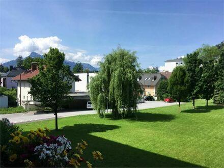 Blick ins Grüne: Schöne, gepflegte 3-Zimmer-Wohnung mit Balkon in Parsch