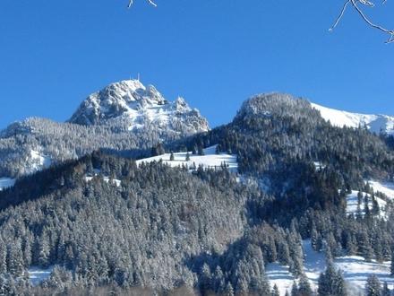 Exklusives Baugrundstück mit Weit- und Bergblick