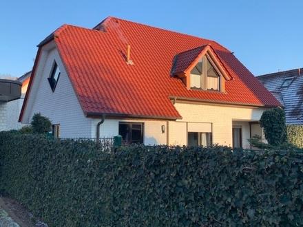 Ansprechendes und sehr gepflegtes Einfam.-Haus, ruh. Zentrumslage Bj. 1997 mit Garage