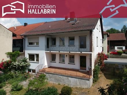 Ideal für zwei Familien oder Kapitalanleger! Zweifamilienhaus mit großem Grundstück u. Nebengebäude