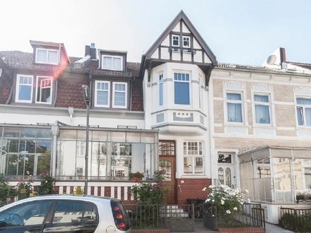 Peterswerder: Traumhafte 3-Zimmer-Wohnung mit Balkon in besonder begehrter Lage