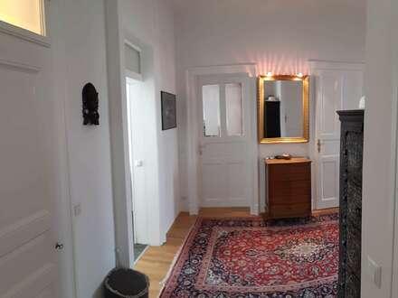 Kernsanierter Altbau-Wohntraum mit Schlossbergblick