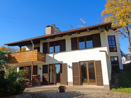 Geräumiges Split-Level Haus mit Weitblick