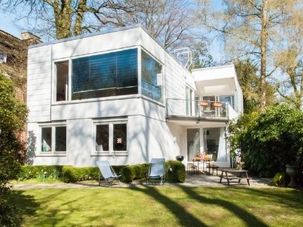 Architektenhaus im Bauhausstil in besonders begehrter Wohnlage