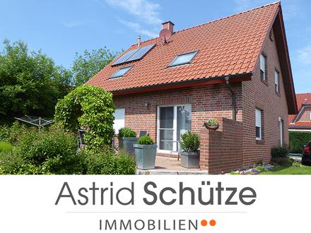 Liebevoll gestaltet und topp-gepflegt: Familienhaus zentral in Borgholzhausen