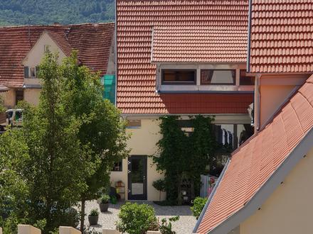 //Brunnenhof Beuren //2-Zimmer-Dachgeschosswohnung //Balkon //klein und fein //Erstbezug