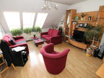 Großzügige 3-Zimmer- Wohnung mit Balkon (B-Schein erforderlich)