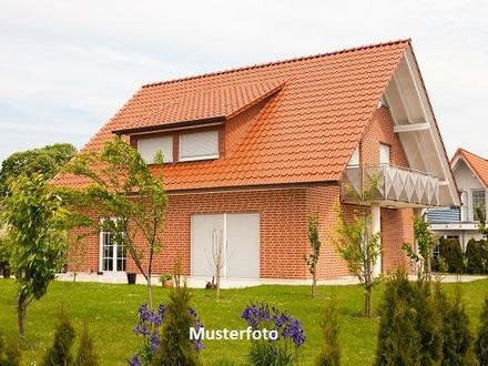 2-Familienhaus mit Terrasse