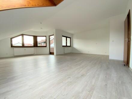 Gemütliches und frisch renoviertes Dachgeschoss in ruhiger Lage