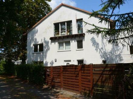 Interessante 4-Zimmer-Eigentumswohnung mit versetzten Ebenen in Oslebshausen