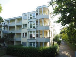 Traumhafte Wohnung mit Aufzug und Balkon in ruhiger Lage