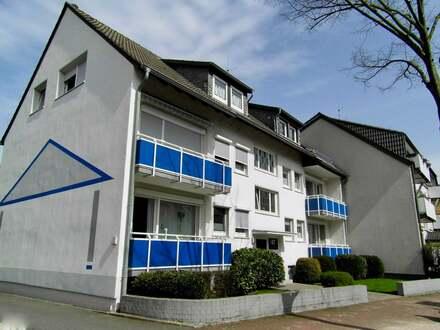 TOP - Gepflegtes Haus - Single-Wohnung mit Dachbalkon