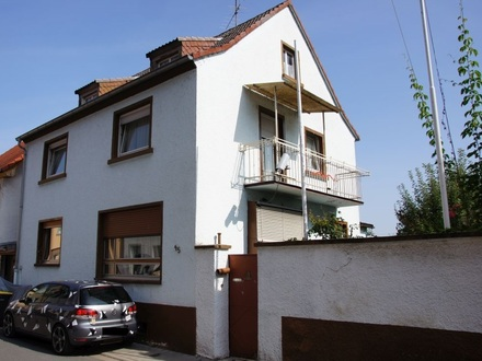 RB Immobilien – Einfamilienhaus in Oppenheim, 6 Zimmer und Ausbaupotential, Nebengebäuden und Garten. IM BIETERVERFAHREN!