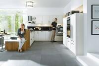 Glas oder Tapete in der Küche