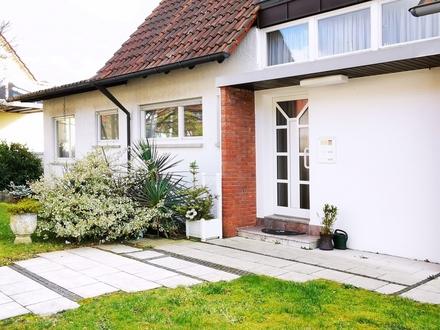Einfamilienhaus mit Einliegerwohnung in ruhiger Lage