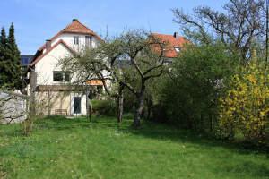 Altbau mit Geschichte und idyllischem Garten!