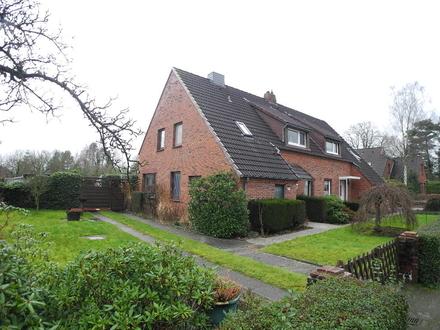 Doppelhaushälfte mit großem Grundstück mitten in Heidmühle