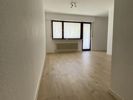 * Schöne 1-Zimmer Wohnung * frisch renoviert * Eigennutzer oder Kapitalanleger *