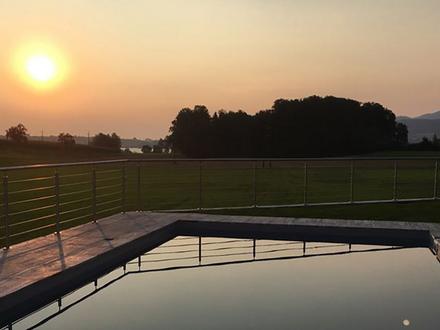Villa 900m vor Atterseeufer, mit Pool, Terrassen u 3 Garagen,herrl. Berg- und Atterseeblick,Ruhelage