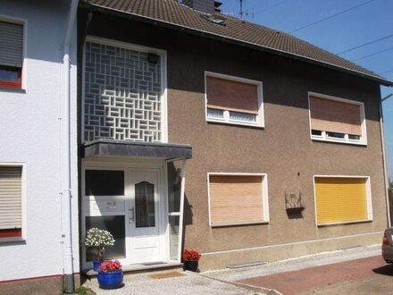 Großzügiges 3-Familienhaus mit schönem Grundstück zur Selbstnutzung und Vermietung!