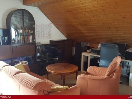 Ruhige 1 1/2 Zimmer-Wohnung mit Balkon, Loggia und TG-Stellplatz!