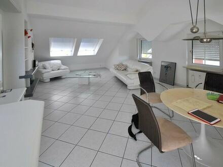 Ein Refugium für höchste Ansprüche! Preis-WERTE, einzigartige Atelier-Wohnung in Bad Soden 1
