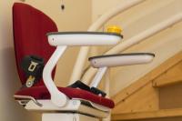 Treppenlift-Angebote: Gebraucht, neu, zur Miete oder zum Kauf?