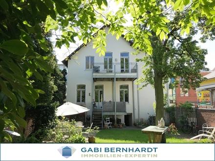 Stilvolle Altbauvilla - Denkmalschutz - urbanes Wohnen für Sie und Ihre Mieter!