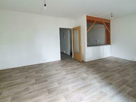 Alles zum Wohlfühlen: Neu renovierte 3-Zimmer-Wohnung