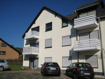 Burbach-Holzhausen, renovierungsbedürftige 3,5 ZKB-Wohnung mit Balkon und Stellplatz