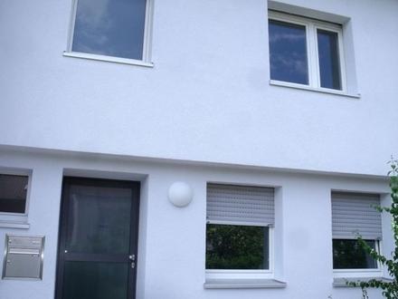Ruhig gelegenes, 2014 komplett neu renoviertes und gedämmtes Reihenmittelhaus in Ulm/Böfingen