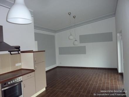 Altenoythe zentral: Moderne Oberwohnung mit Balkon + EBK zur Miete! Neuwertig!