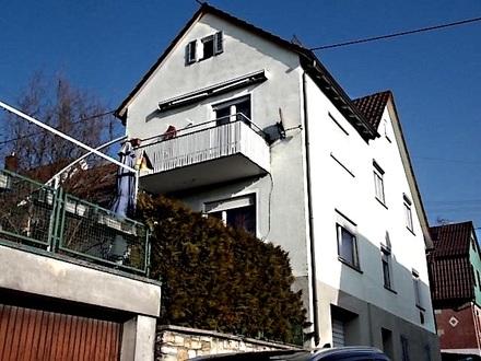 2-FAMILIEN-DOPPELHAUSHÄLFTE, vermietet, mit Balkon, Garten & 2 Garagen in ruhiger Lage von DITZINGEN