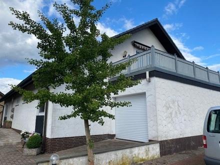 Großzügige 3 Zi.-Whg. mit gr. Dachterrasse renov. neues Bad ruhige Lage 33397 Rietberg-W.