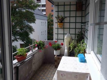 Bezugsfreie, helle Wohnung in ruhiger Lage zum Selbstbezug