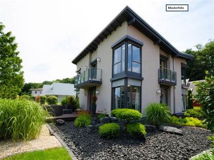 Teilungsversteigerung Zweifamilienhaus in 71711 Steinheim, Keltergasse