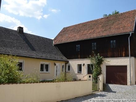 Einfamilienhaus mit Nebengebäude in ruhiger aber zentraler Lage!