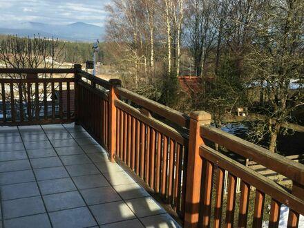Schöne 2 Zimmer-Wohnung mit Balkon und traumhaftem Ausblick